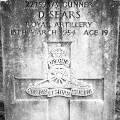 Royal Artillery: D. Sears (19)