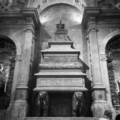 Royal tomb