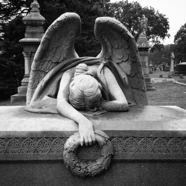 Grieving angel (front)