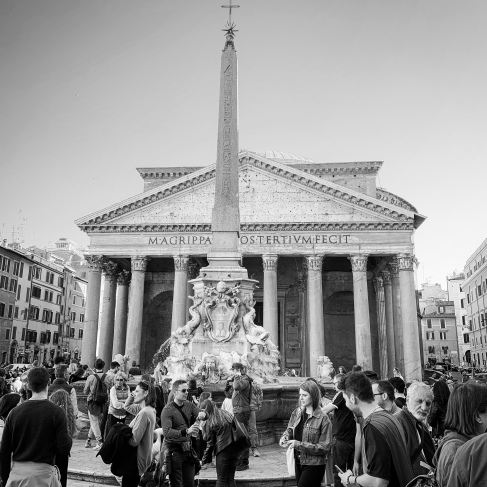 Crowds outside the Pantheon