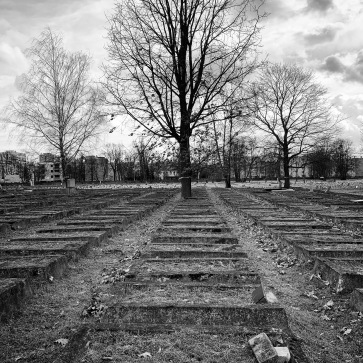Raised graves in the Ghetto Field