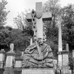 Cross with anchor
