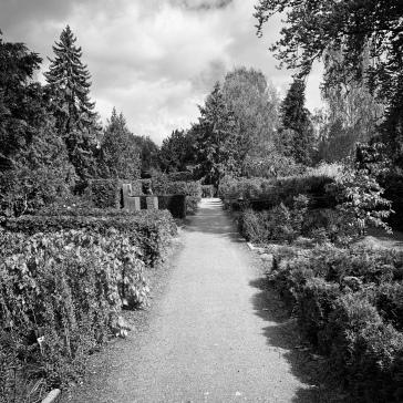 Park, garden, or cemetery?