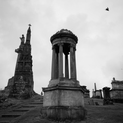 Grand monument